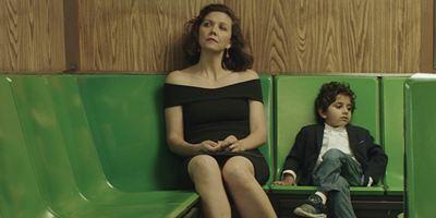 """Maggie Gyllenhaal """"The Kindergarten Teacher""""da Takıntısına Yenik Düşüyor!"""