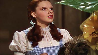 Dorothy'nin Elbisesi Rekor Fiyata Satışta!