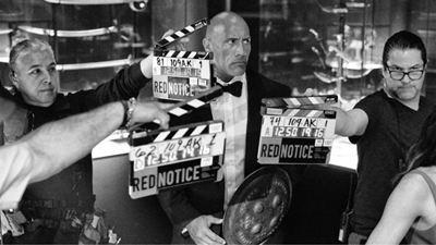 """Dwayne Johnson, """"Red Notice"""" Çekimlerine Eylül'de Başlanacağını Söylüyor"""