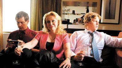 Jacki Weaver, Mark Wahlberg Filmi 'Stu'nun Kadrosunda!