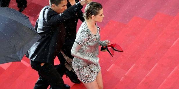 Kristen Stewart'tan Cannes'da Topuklu Ayakkabı Eylemi!