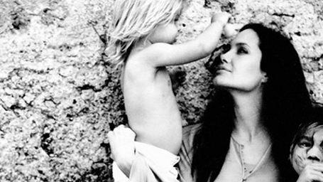 Brad Pitt'in Sevgi Dolu Objektifinden Angelina Jolie!