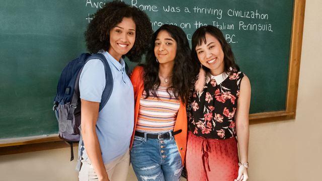 Netflix'in Gençlik Dizisi 'Never Have I Ever', İkinci Sezon Onayı Aldı