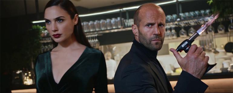 Jason Statham ve Gal Gadot Restoranı Birbirine Kattı