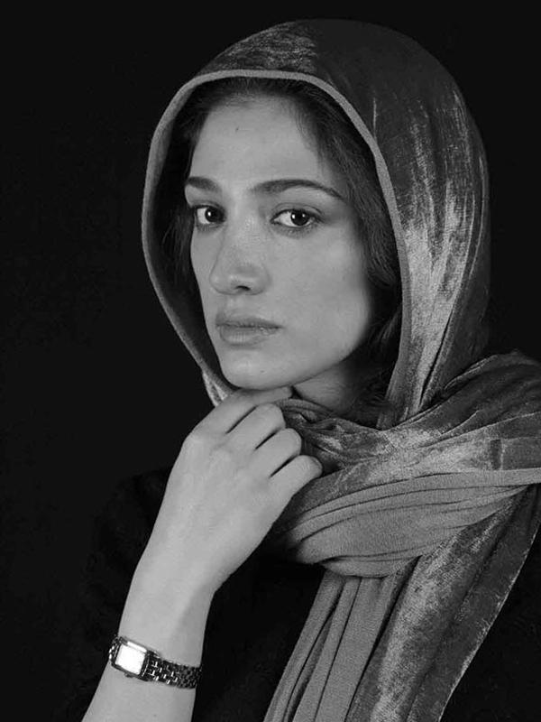 50 - Mina Sadati