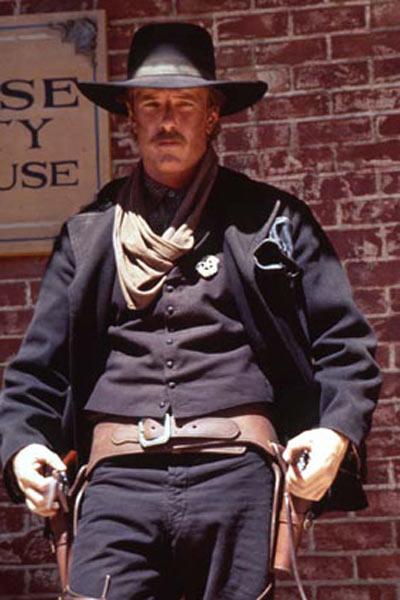 Wyatt Earp : Fotograf Lawrence Kasdan, Michael Madsen