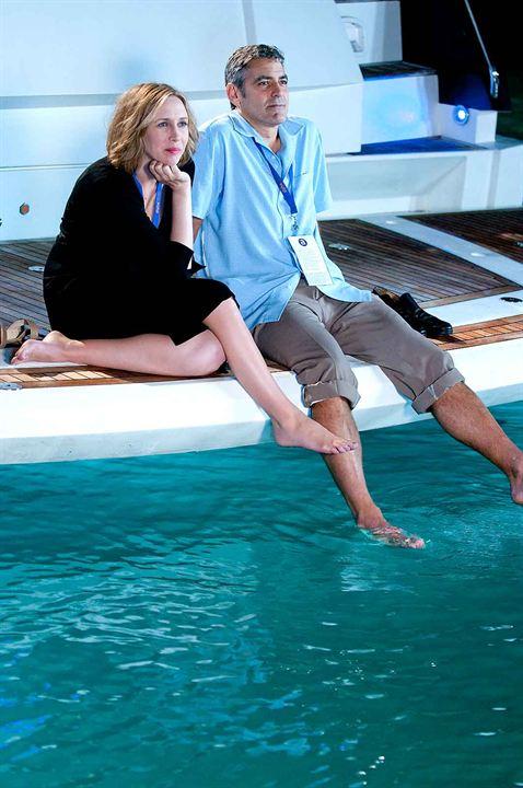 Akli Havada : Fotograf George Clooney, Vera Farmiga