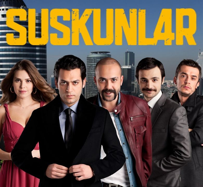 Suskunlar : Fotograf Asli Enver, Güven Murat Akpinar, Murat Yildirim, Sarp Akkaya