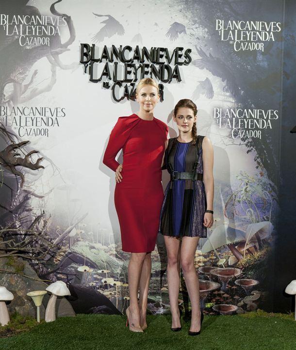 Pamuk Prenses ve Avci : Fotograf Charlize Theron, Kristen Stewart