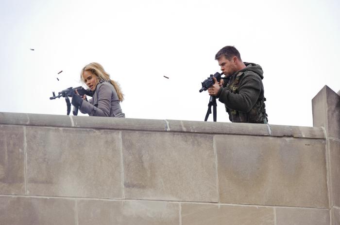 Fotograf Chris Hemsworth, Isabel Lucas