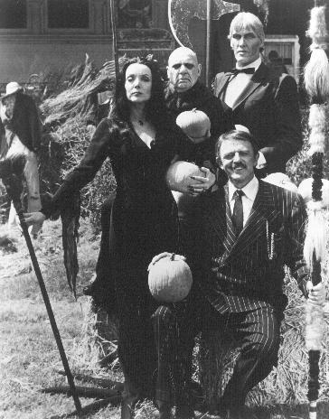 The Addams Family : Fotograf Carolyn Jones, Jackie Coogan, John Astin, Ted Cassidy