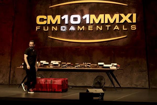 CM101MMXI FUNDAMENTALS : Fotograf