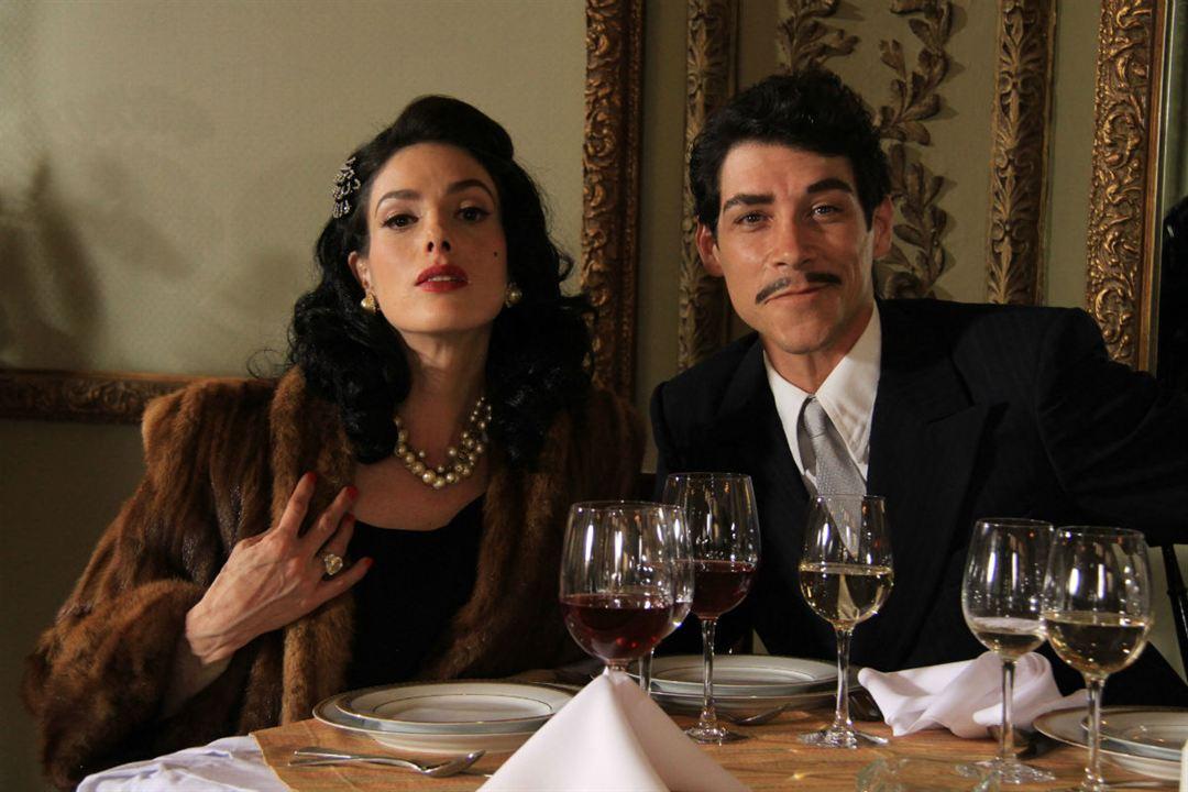 Cantinflas : Fotograf Bárbara Mori, Óscar Jaenada