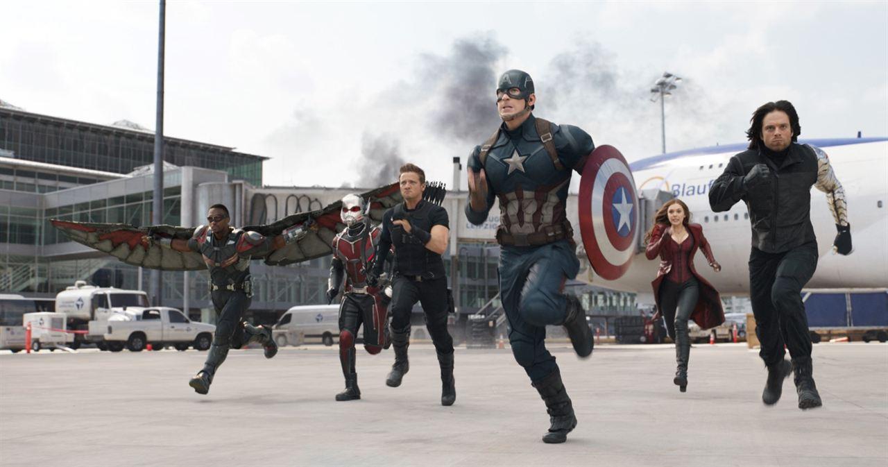 Kaptan Amerika: Kahramanlarin Savasi : Fotograf Anthony Mackie, Chris Evans, Elizabeth Olsen, Jeremy Renner, Paul Rudd