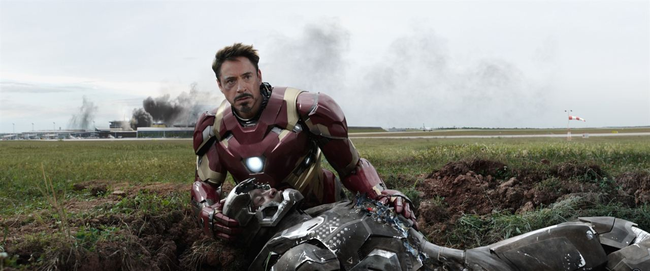 Kaptan Amerika: Kahramanlarin Savasi : Fotograf Don Cheadle, Robert Downey Jr.