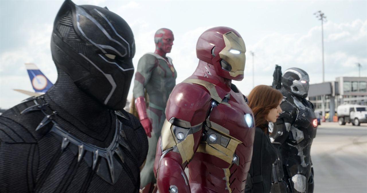 Kaptan Amerika: Kahramanlarin Savasi : Fotograf Chadwick Boseman, Paul Bettany, Robert Downey Jr., Scarlett Johansson