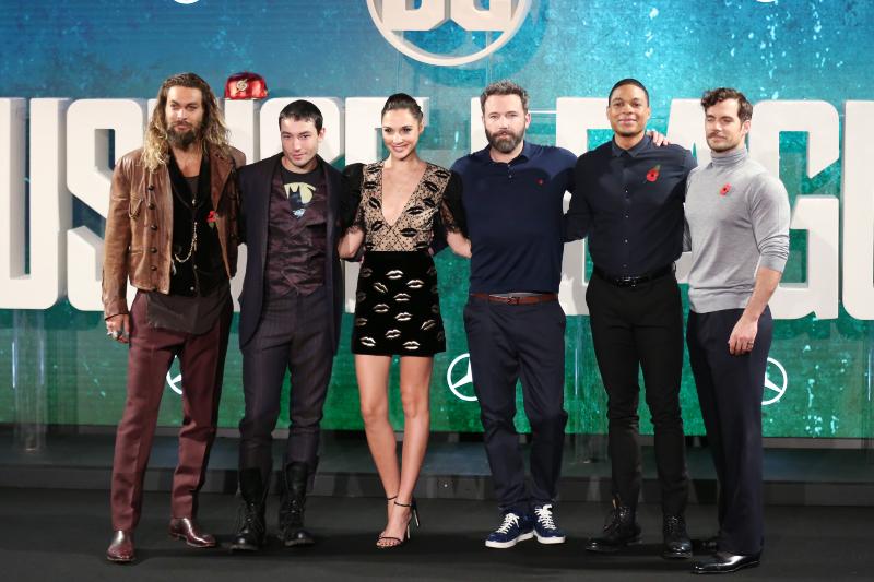 Justice League: Adalet Birligi : Vignette (magazine) Ben Affleck, Ezra Miller, Gal Gadot, Henry Cavill, Jason Momoa