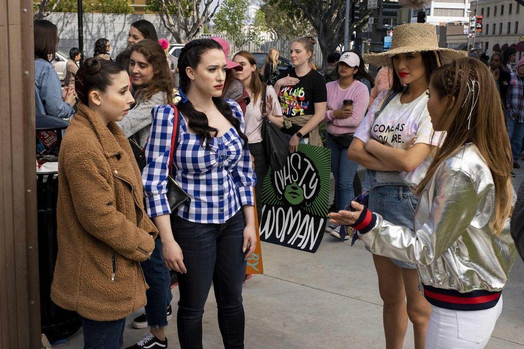 Fotograf Brenda Song, Esther Povitsky, Kat Dennings, Shay Mitchell