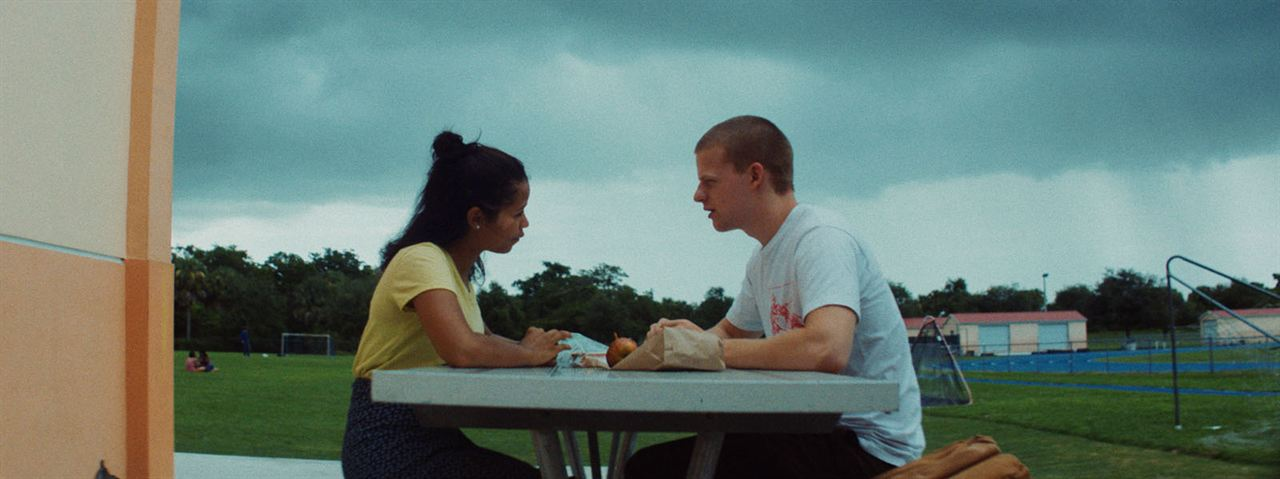 Waves : Fotograf Lucas Hedges, Taylor Russell McKenzie