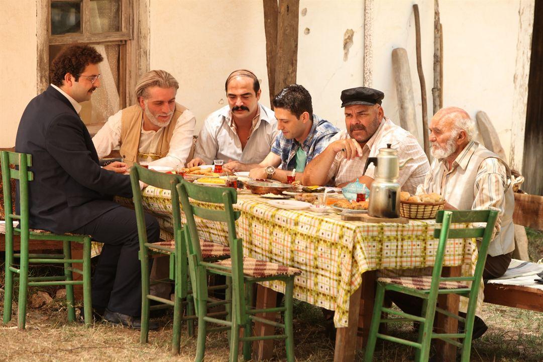 Dügün Dernek : Fotograf Ahmet Kural, Baris Yildiz, Erol Aksoy, Inan Ulas Torun, Murat Cemcir