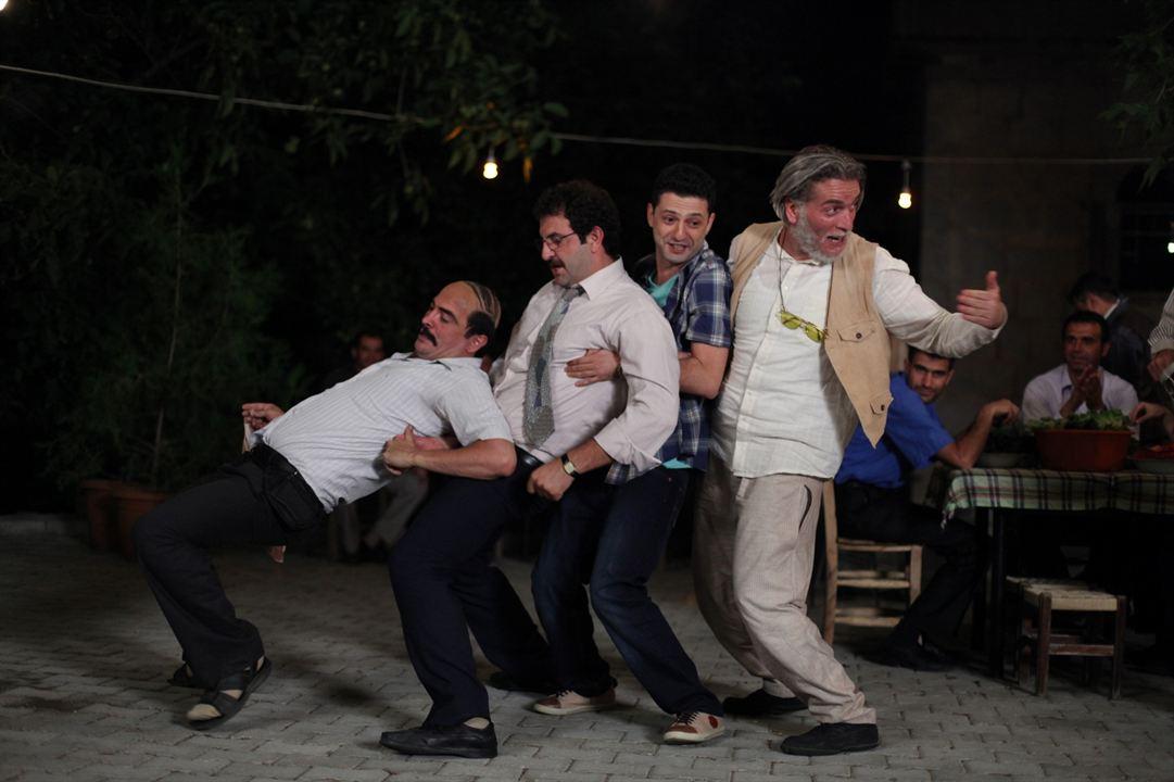 Dügün Dernek : Fotograf Ahmet Kural, Baris Yildiz, Inan Ulas Torun, Murat Cemcir
