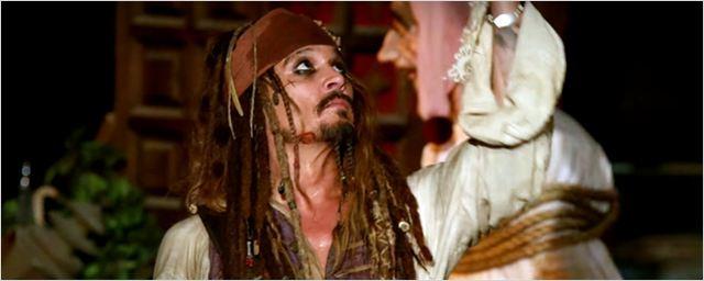 Johnny Depp'ten Disneyland Ziyaretçilerine Sürpriz!