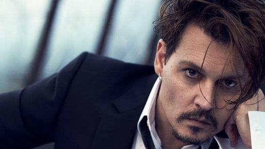 """Johnny Depp """"Minamata"""" İçin Savaş Fotoğrafçısı Olacak!"""