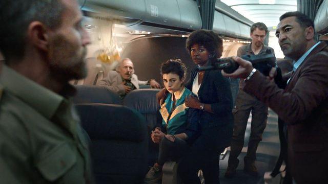 Netflix Dizisi Into The Night'tan Yepyeni Teaser!