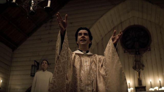 Netflix Korku Dizisi Midnight Mass'ten Altyazılı Fragman Geldi!