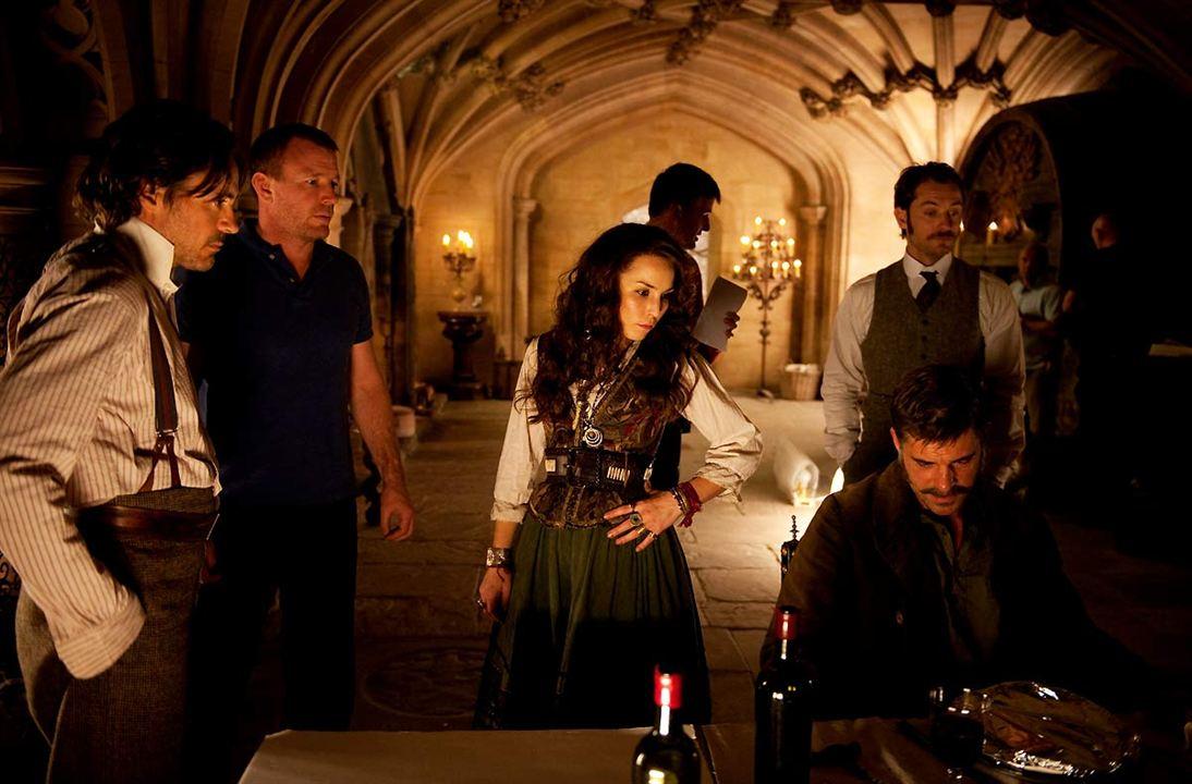 Sherlock Holmes: Gölge Oyunları: Thierry Neuvic, Robert Downey Jr., Jude Law, Noomi Rapace
