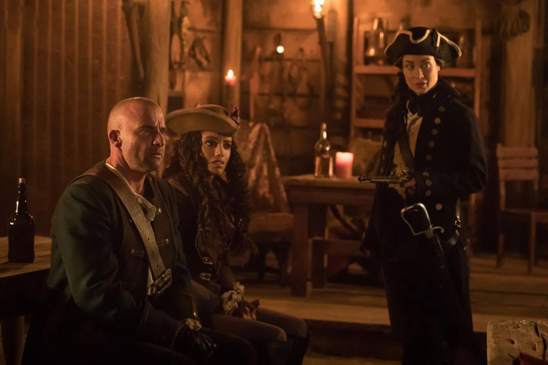 Fotograf Courtney Ford, Dominic Purcell, Maisie Richardson-Sellers