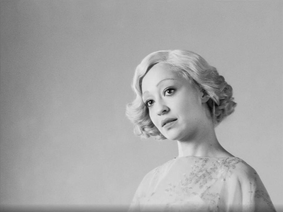 Siyah Beyaz : Fotograf Ruth Negga